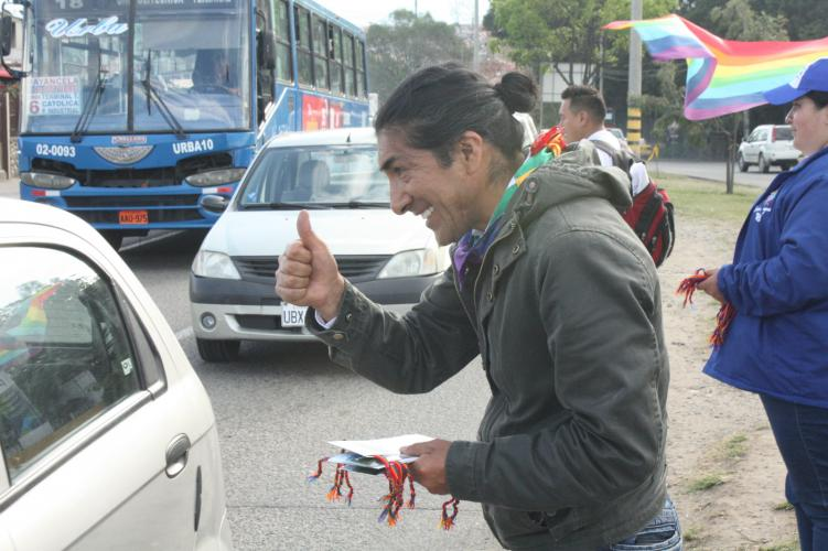 Yaku Sacha on the campaign trail. Image by Andrés Bermúdez Liévano. Ecuador, 2019.